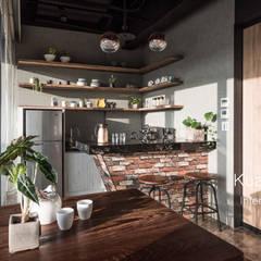 Oficinas y Tiendas de estilo  por 台中室內設計-寬叡- 空間設計.工程