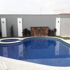 MAGEN | Revestimentos Cimentíciosが手掛けた家庭用プール