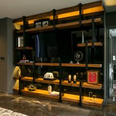 Casa Cumbres, Arquitectura de Materialista: Electrónica de estilo  por Villalobos Image Maker