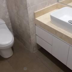MUEBLES DE BAÑO: Baños de estilo  por MARSHEL DUART SRL