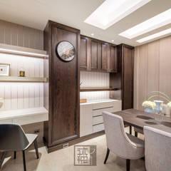 溫馨小品工作室:  書房/辦公室 by 沐築空間設計