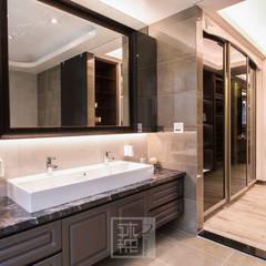 Phòng tắm by 沐築空間設計