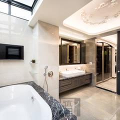 豪華氣度別墅/王公館:  浴室 by 沐築空間設計