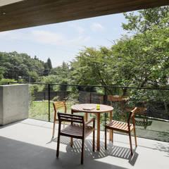 بلكونة أو شرفة تنفيذ atelier137 ARCHITECTURAL DESIGN OFFICE