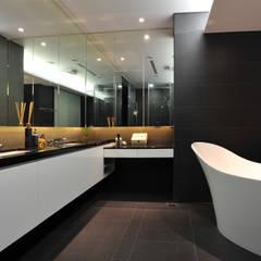 حمام تنفيذ 黃耀德建築師事務所  Adermark Design Studio