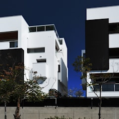 Detached home by 黃耀德建築師事務所  Adermark Design Studio