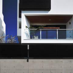 建築設計+室內設計 白居29 HW House:  獨棟房 by 黃耀德建築師事務所  Adermark Design Studio