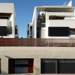 建築設計 白居 LH House:  房子 by 黃耀德建築師事務所  Adermark Design Studio