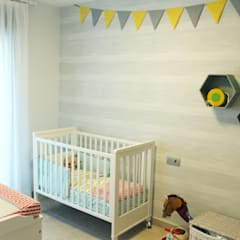 Adosado en CS: Habitaciones de bebé de estilo  de ALARCA. Interiorismo&Hogar