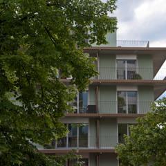 Mehrfamilienhaus Sumatra:  Mehrfamilienhaus von Juho Nyberg Architektur GmbH