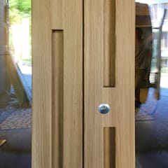 Juho Nyberg Architektur GmbHが手掛けた木製ドア