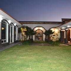 jardin interior: Jardines de estilo  por arketipo-taller de arquitectura