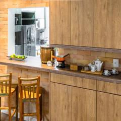 Muebles de cocinas de estilo  por Do Lado Di Cá