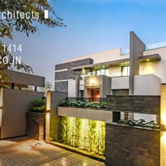 THE GREY HOUSE:  Multi-Family house by Maulik Vyas Architects