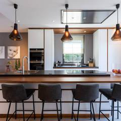 Landhuis in werelderfgoed De Beemster Moderne keukens van Aangenaam Interieuradvies Modern Massief hout Bont