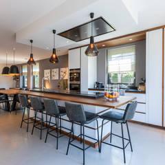 Landhuis in werelderfgoed De Beemster Moderne keukens van Aangenaam Interieuradvies Modern Hout Hout