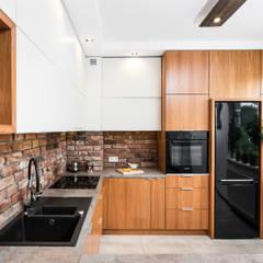 MIESZKANIE W KRAKOWIE: styl , w kategorii Kuchnia zaprojektowany przez AP interiors