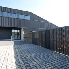 Dachland Firmensitz:  Bürogebäude von SCHOYERER ARCHITEKTEN_SYRA
