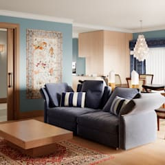 Pent House Apartment with middle eastern and oriental twist, Estoril: Salas multimédia  por Inêz Fino Interiors, LDA,