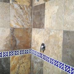 Phòng tắm phong cách thực dân bởi Itech Kali Thực dân gốm sứ