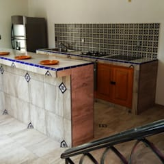 Built-in kitchens by Itech Kali, Colonial Ceramic
