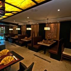 Hotel Villa del Palmar: Comedores de estilo topical por Facere Arquitectura