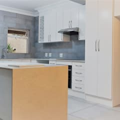Kitchen Revamp - Classic :  Kitchen by Zingana Kitchens and Cabinetry