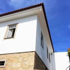 CASA CRUZ: Casas unifamilares  por Jesus Correia Arquitecto