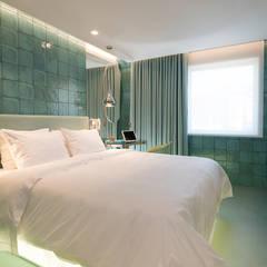 WC BEAUTIQUE HOTEL: Hotéis  por Atelier Nini Andrade Silva