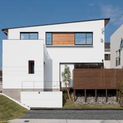 COMPACT LUXURY: yuukistyle 友紀建築工房が手掛けた一戸建て住宅です。