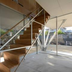 フラミンゴハウス: 土居建築工房が手掛けた階段です。