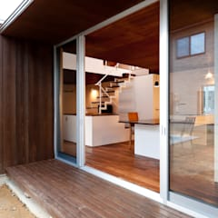窗戶 by Takeru Shoji Architects.Co.,Ltd
