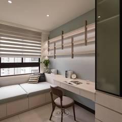 紋理.線條:  書房/辦公室 by 層層室內裝修設計有限公司