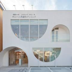 عيادات طبية تنفيذ 株式会社KAMITOPEN一級建築士事務所