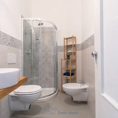 : modern Bathroom by Habitat Home Staging & Photography