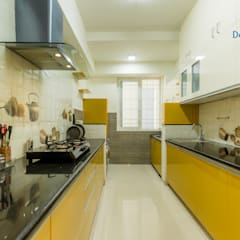 Axis Aspire 2.5 BHK - Mr. Ramprasad:  Kitchen by DECOR DREAMS