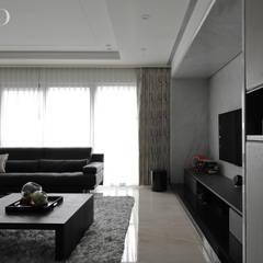 Living room by 芮晟設計事務所, Modern