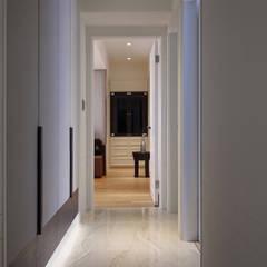 Corridor and hallway by 芮晟設計事務所, Modern