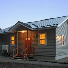 軽井沢の週末住宅: (有)岳建築設計が手掛けた家です。