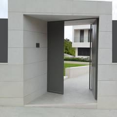 Doors by DMDV Arquitectos