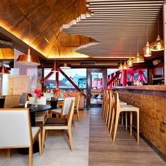 Café Santa Clara: Espaços gastronômicos  por RI Arquitetura