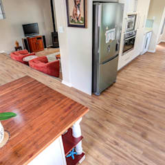 Residential Project, Northcliff:  Dining room by Wanabiwood Flooring