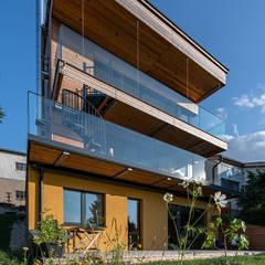 HAUS IN WEIDLING Moderne Häuser von AL ARCHITEKT - in Wien Modern Holz Holznachbildung