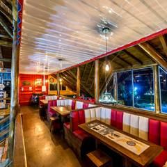 Restaurante: Espaços gastronômicos  por Jordana Sá Arquitetura