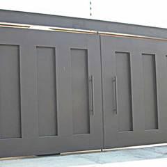 Puertas de Herreria: Puertas de estilo  por Herrería Querétaro,