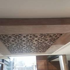 Plat dak door Arkia Studios