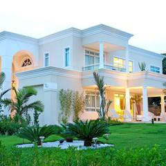 Casas unifamiliares de estilo  por RI Arquitetura