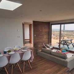 Casa RM: Livings de estilo  por Moreno Wellmann Arquitectos
