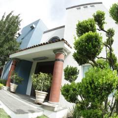 05: Casas prefabricadas de estilo  por Tierra Fría