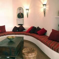 Salón: Salones de estilo  de Mirasur Proyectos S.L.